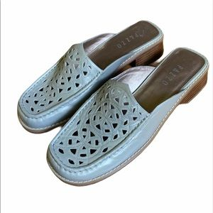 PAZZO | Slip on Flats | Tan | Size 9